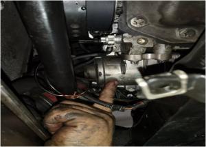 Metodo de anstataŭigo de elektra pumpilo BMW