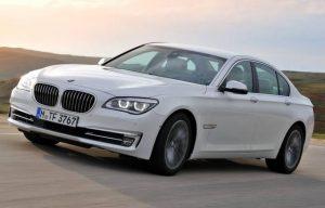 Elĉerpa metodo de BMW elektra akvopumpilo